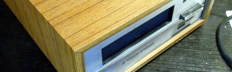 Desmontaje retro: reproductor estéreo de 8 pistas interior