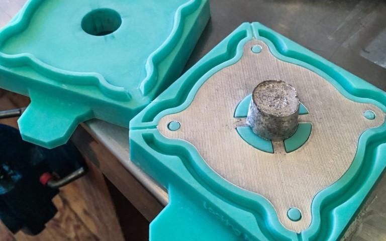 Fundición de piezas de metal y moldes de silicona a partir de grabados 3D