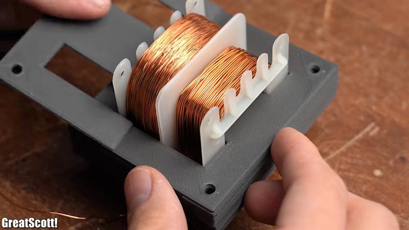 Transformador impreso en 3D decepciona, pero ilumina