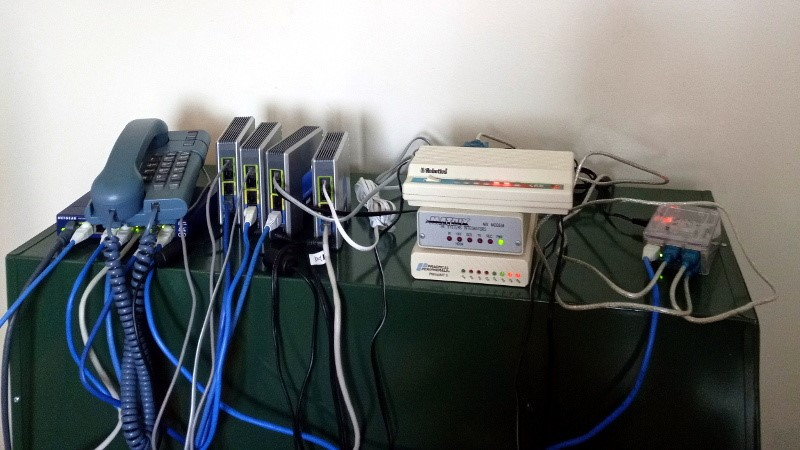 Construya su propio ISP telefónico, ¡ahora con un grupo de módem!