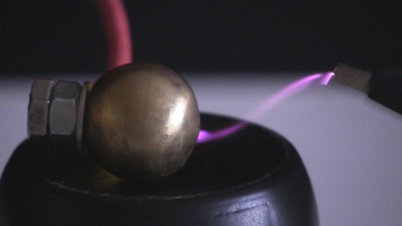 Cornucopia de fuentes de alto voltaje