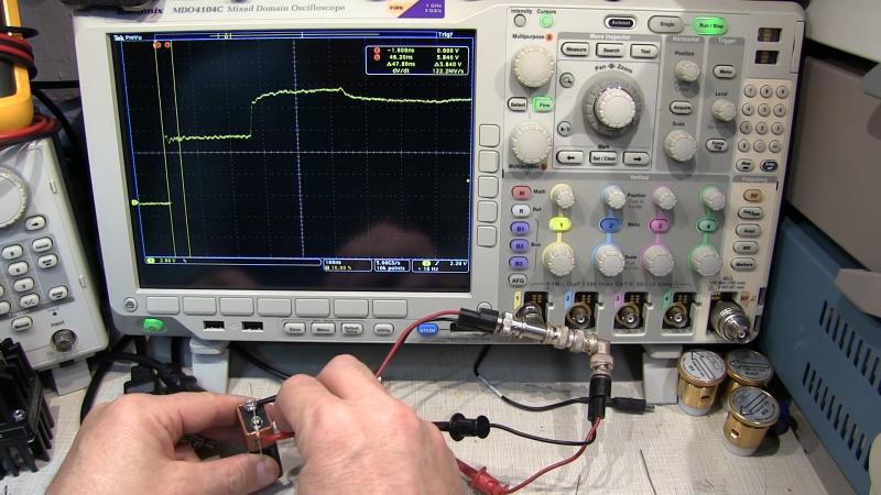 Reflectometría simple en el dominio del tiempo con solo batería y oscilógrafo