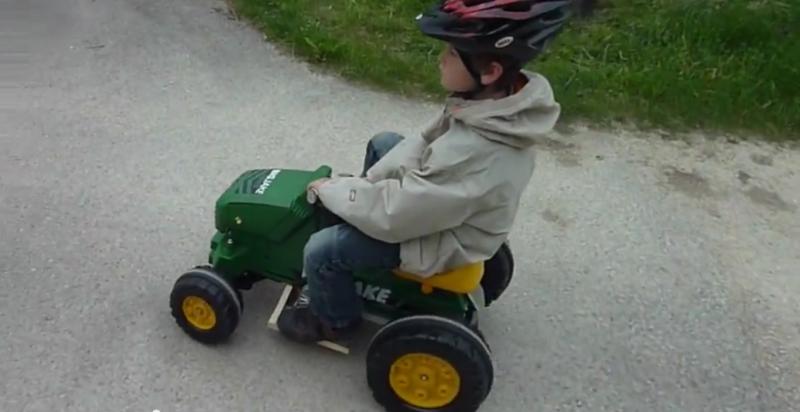 Transformar un tractor eléctrico de pedal en ruedas eléctricas