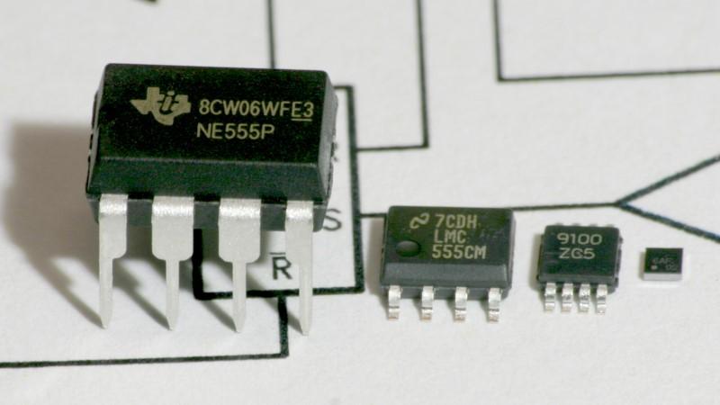 Hacer el temporizador 555 más rápido del mundo o usar una versión IC moderna