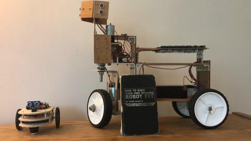 La mascota robot es un chip del antiguo bloque lógico